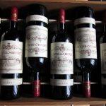 Co zakousnout k bílému a co naopak k červenému vínu?