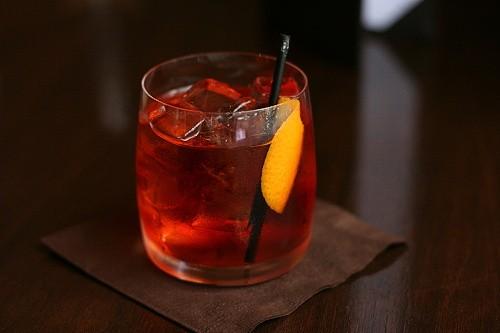 Hotový drink Negroni