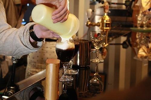 Příprava pravé irské kávy