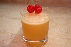 Sklenka koktejlu Whisky sour