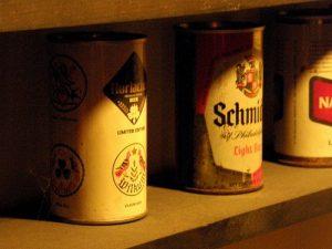 Staré plechovky od piva
