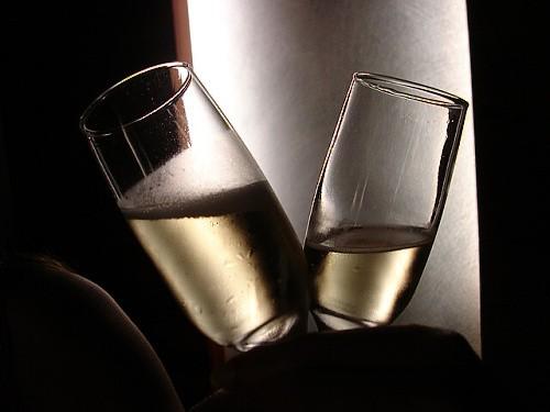 Sklenky sektu nebo šampaňského