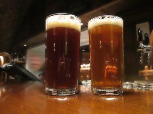 Dvě různá piva typu IPA