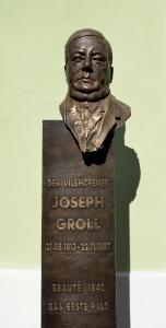 Busta Josefa Grolla