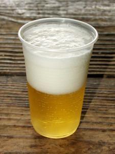 Co dělat když sud piva pění