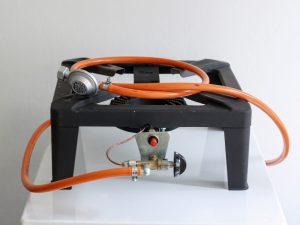 Varná stolice s hořákem o výkonu 7 a půl kW