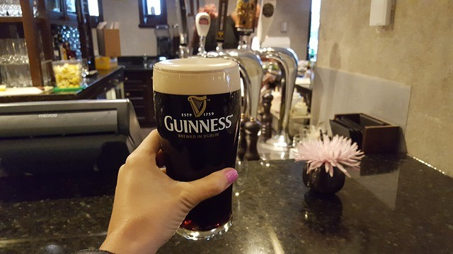 správně načepovaný Guinness