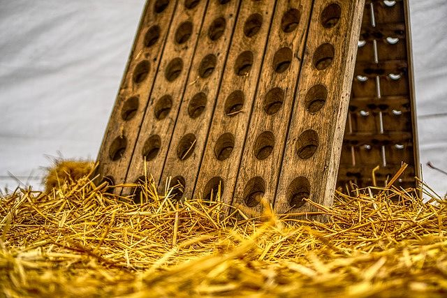 Dřevěný stojan / regál na víno