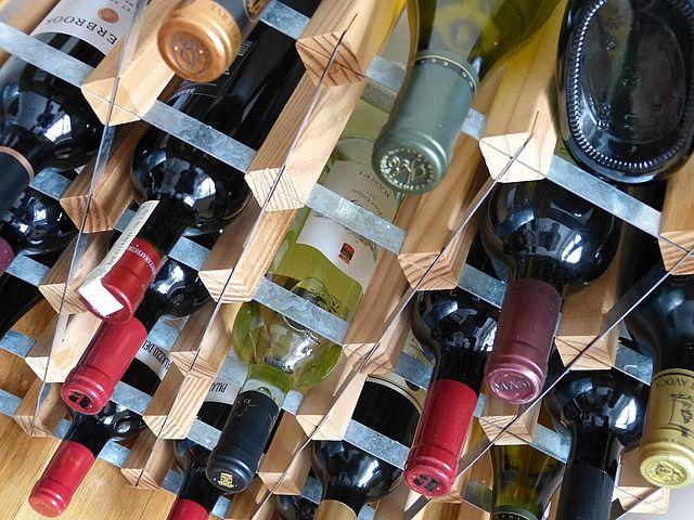 Nejlepší stojan na víno