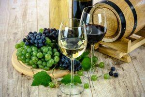 Sklenice na červené a bílé víno